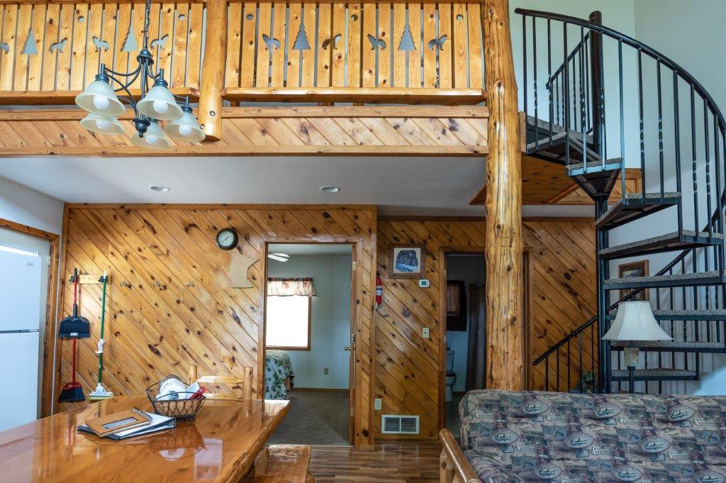 Balsam Beach's cabin #2 offers 3 bedrooms and sleeps up to 8.